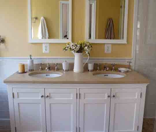Organized Bathrooms: Clean and Clutter-free: gallery slide thumbnail 11