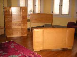 Heywood Wakefield Table and Chairs – $1400: gallery slide thumbnail 1