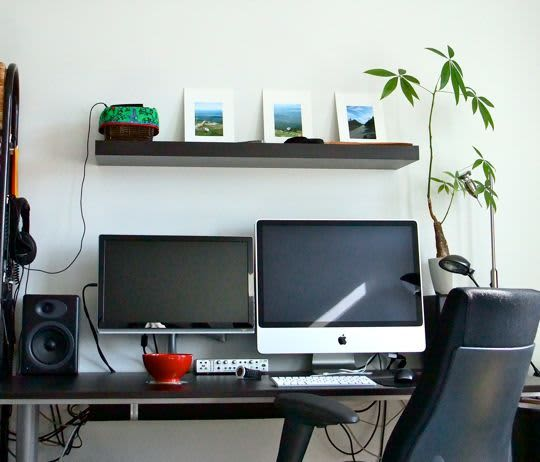 5 Easy Ways to Brighten Your Home Office: gallery slide thumbnail 2