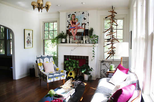 Living and Dining Room Inspiration from our Green Tours: gallery slide thumbnail 8