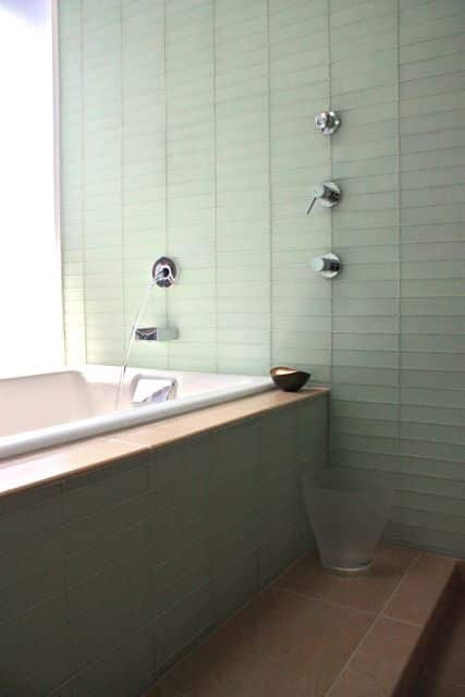 Organized Bathrooms: Clean and Clutter-free: gallery slide thumbnail 33