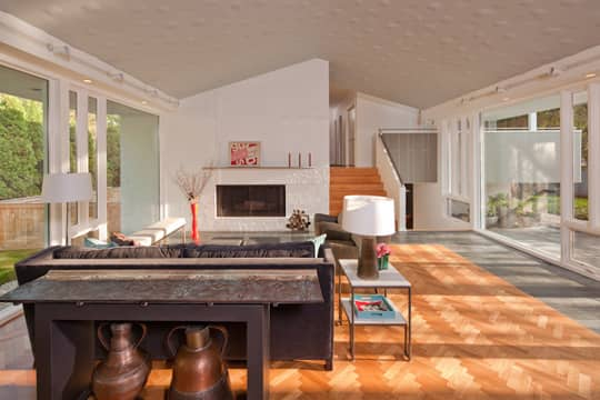 Living and Dining Room Inspiration from our Green Tours: gallery slide thumbnail 9
