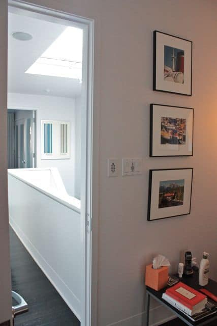 Organized Bathrooms: Clean and Clutter-free: gallery slide thumbnail 18