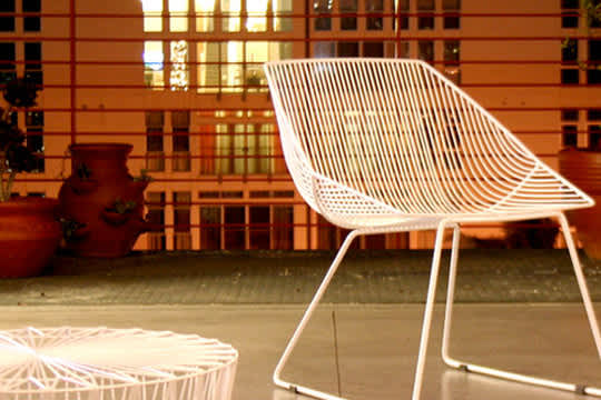 Bend: Wire Seating by Gaurav Nanda: gallery slide thumbnail 1