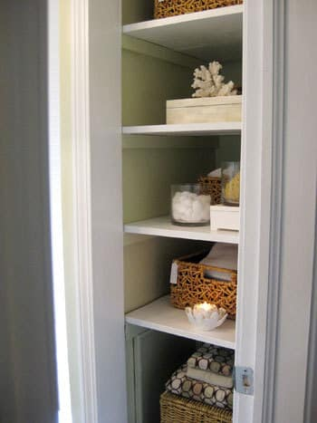 Organized Bathrooms: Clean and Clutter-free: gallery slide thumbnail 6