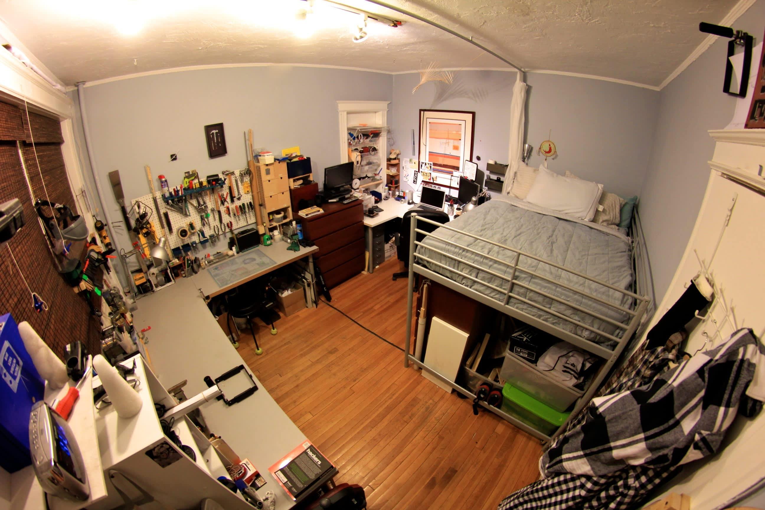 A Builder's One Bedroom Workshop: gallery slide thumbnail 1