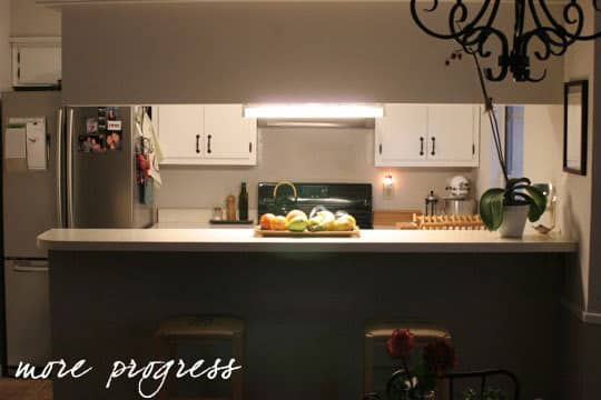Before & After: A Quick and Easy Kitchen Update: gallery slide thumbnail 1