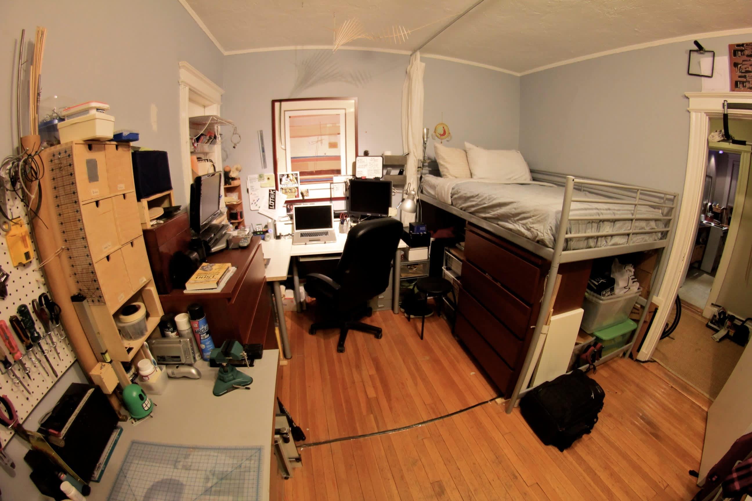 A Builder's One Bedroom Workshop: gallery slide thumbnail 7