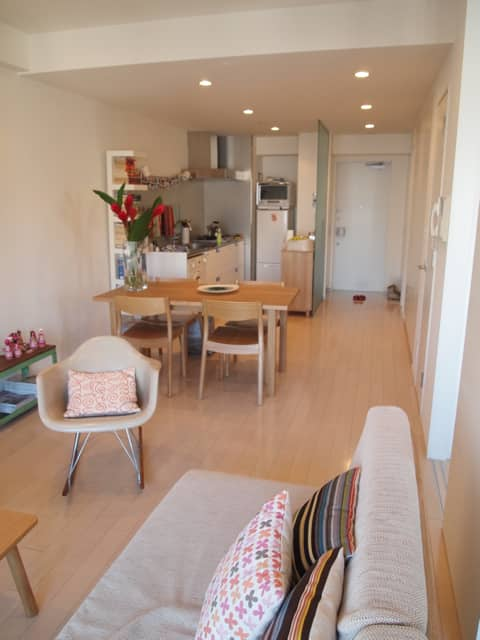 James & Briony's Tokyo Home: gallery image 5