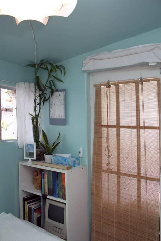 Jose's Super Small & Stylish 275 Square Foot Apartment: gallery slide thumbnail 1