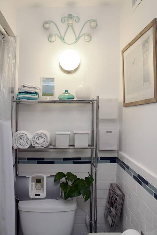 Jose's Super Small & Stylish 275 Square Foot Apartment: gallery slide thumbnail 19