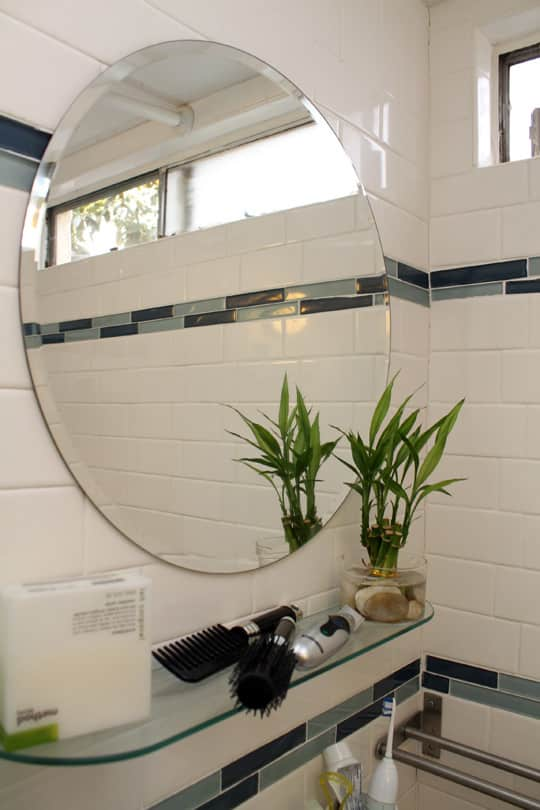 Jose's Super Small & Stylish 275 Square Foot Apartment: gallery slide thumbnail 10