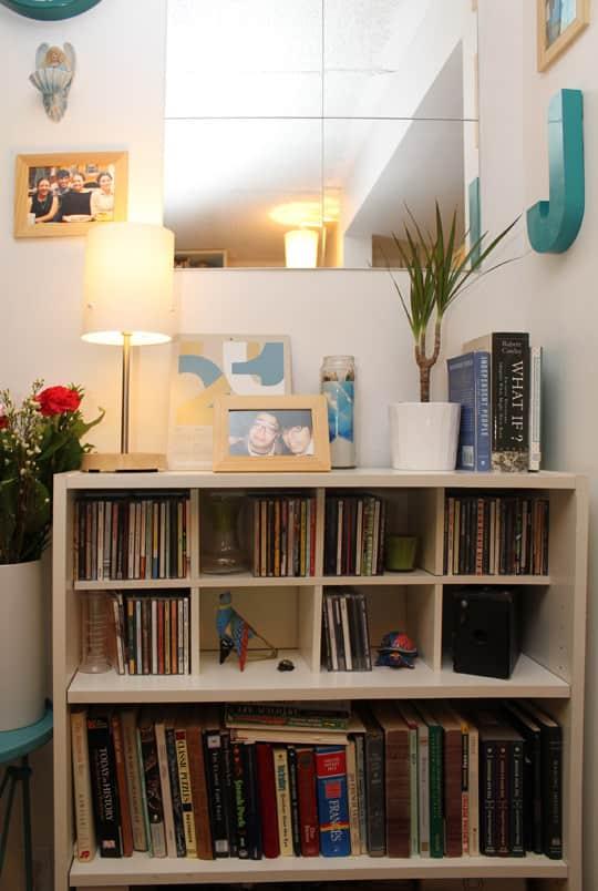 Jose's Super Small & Stylish 275 Square Foot Apartment: gallery slide thumbnail 3