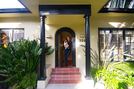 Carrie's Glamorous Bungalow: gallery slide thumbnail 13