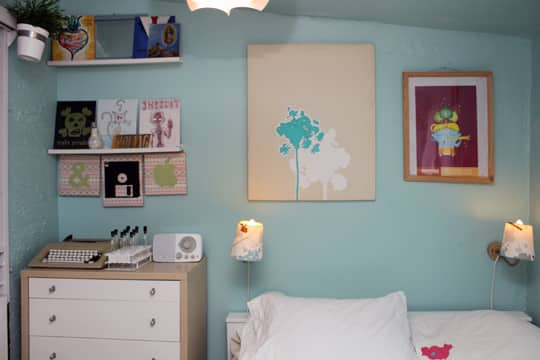 Jose's Super Small & Stylish 275 Square Foot Apartment: gallery slide thumbnail 14