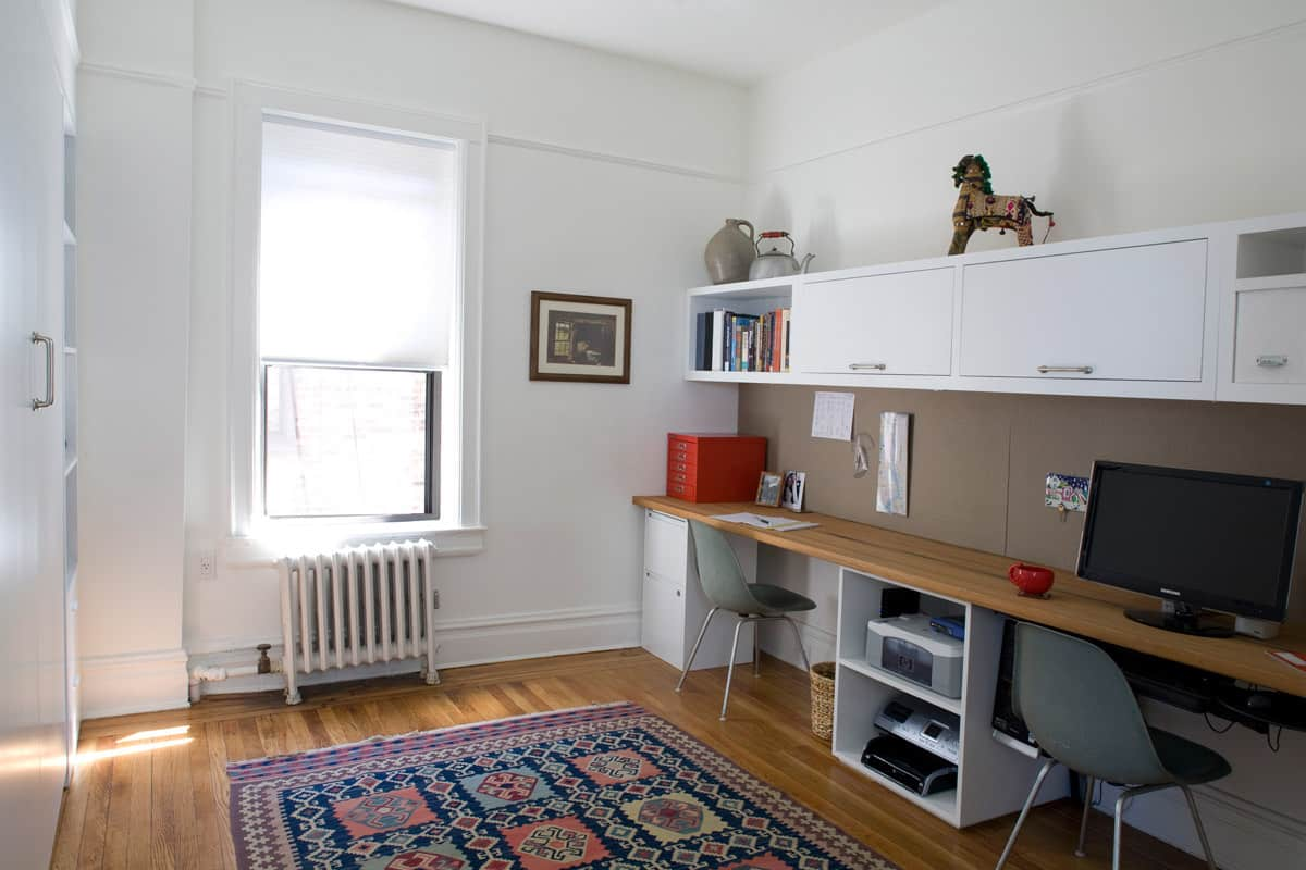 Gary and Ellen's Storage-Savvy Apartment: gallery slide thumbnail 23