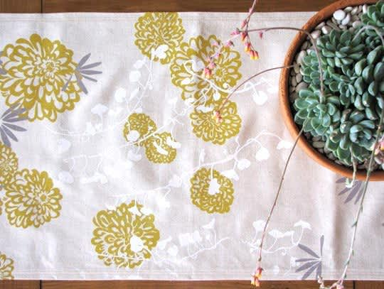 10 Beautiful Table Runners: gallery image 2