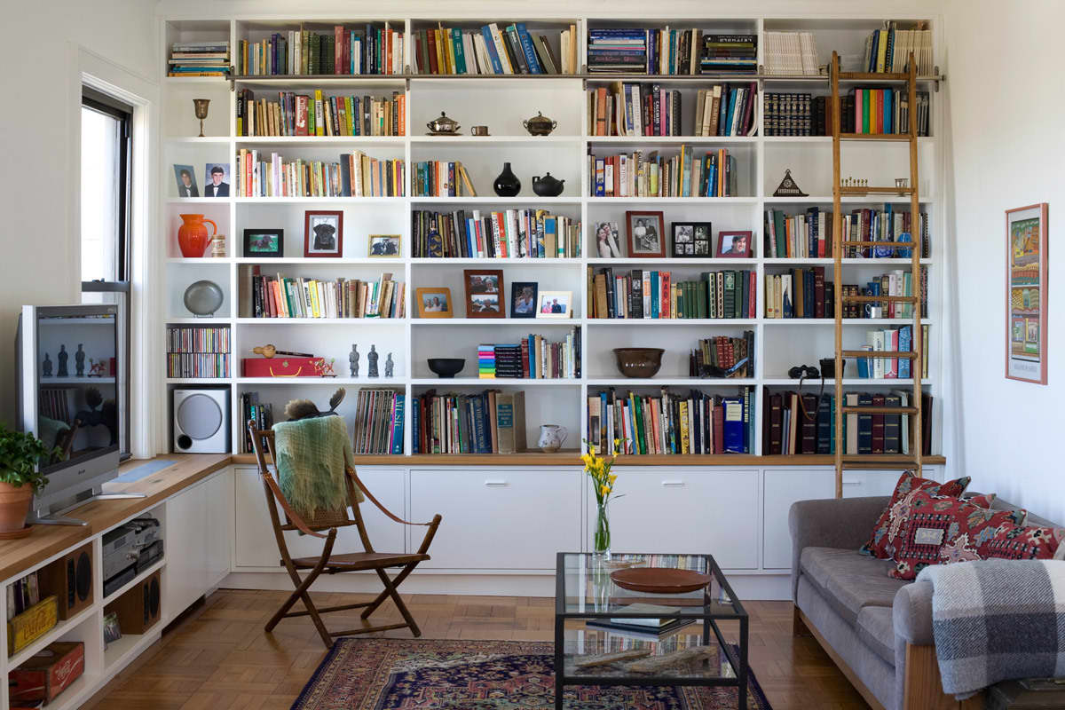 Gary and Ellen's Storage-Savvy Apartment: gallery slide thumbnail 1