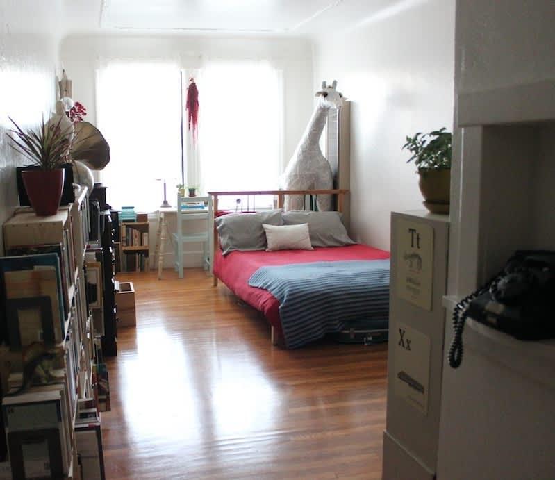 San Francisco Studio Apartment: Tiffany's Tiny San Francisco Studio For Two