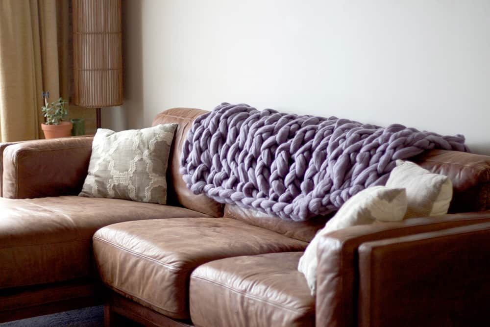 How To DIY Chunky Wool Blankets | Apartment Therapy