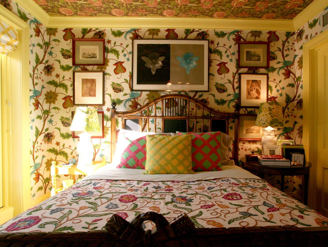 Jason & John's Hyper Saturated Home: Part 1: gallery slide thumbnail 26