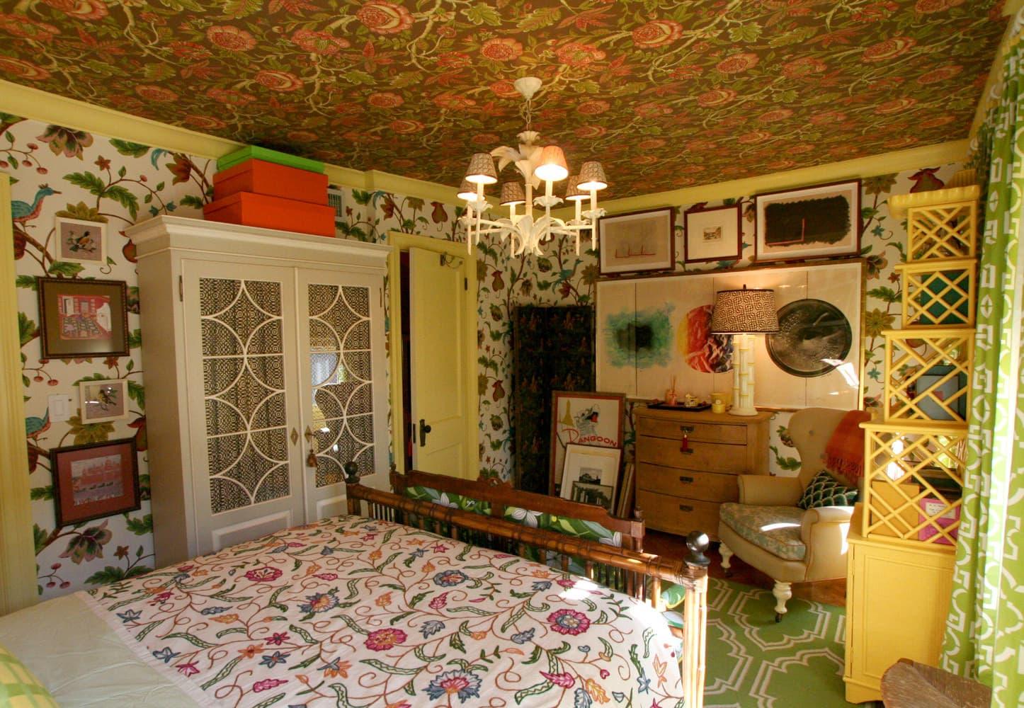 Jason & John's Hyper Saturated Home: Part 1: gallery slide thumbnail 8