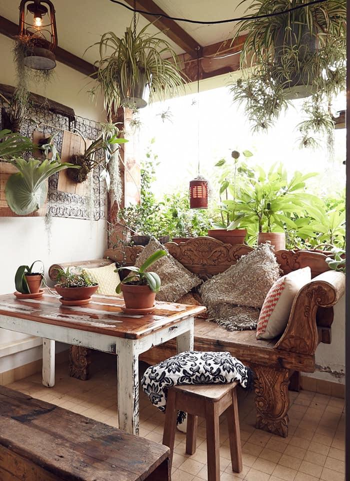 51 Inspiring Bohemian Living Room Designs: Discover Your Home's Decor Personality: 19 Inspiring