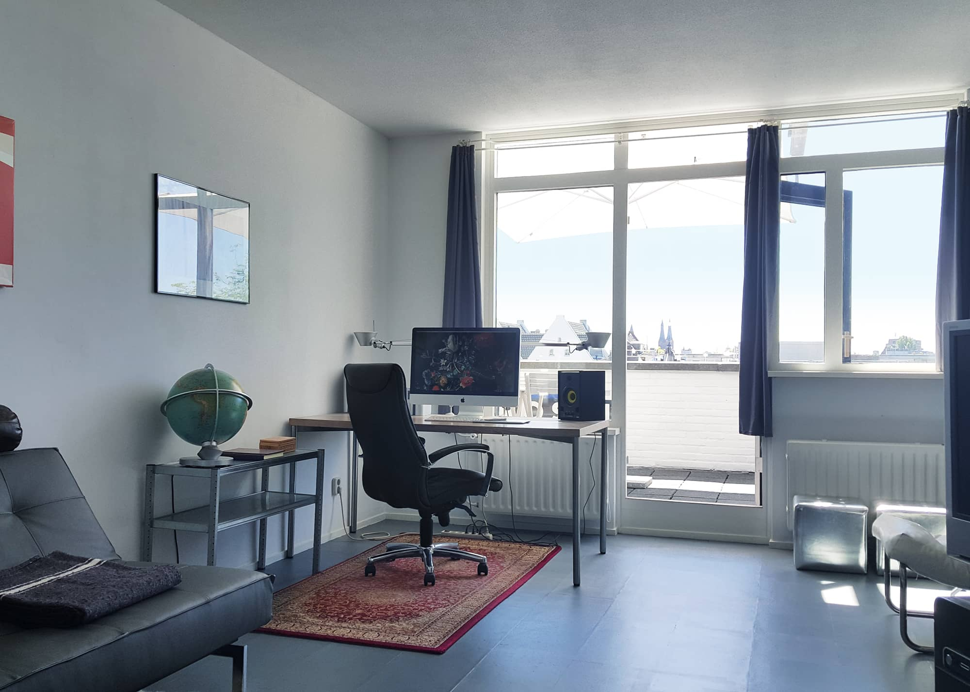 A Modern Minimalist Studio Apartment In Amsterdam With An Amazing