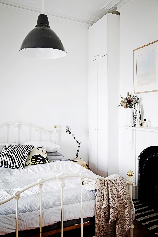 Small Romantic Bedroom Decorating Ideas