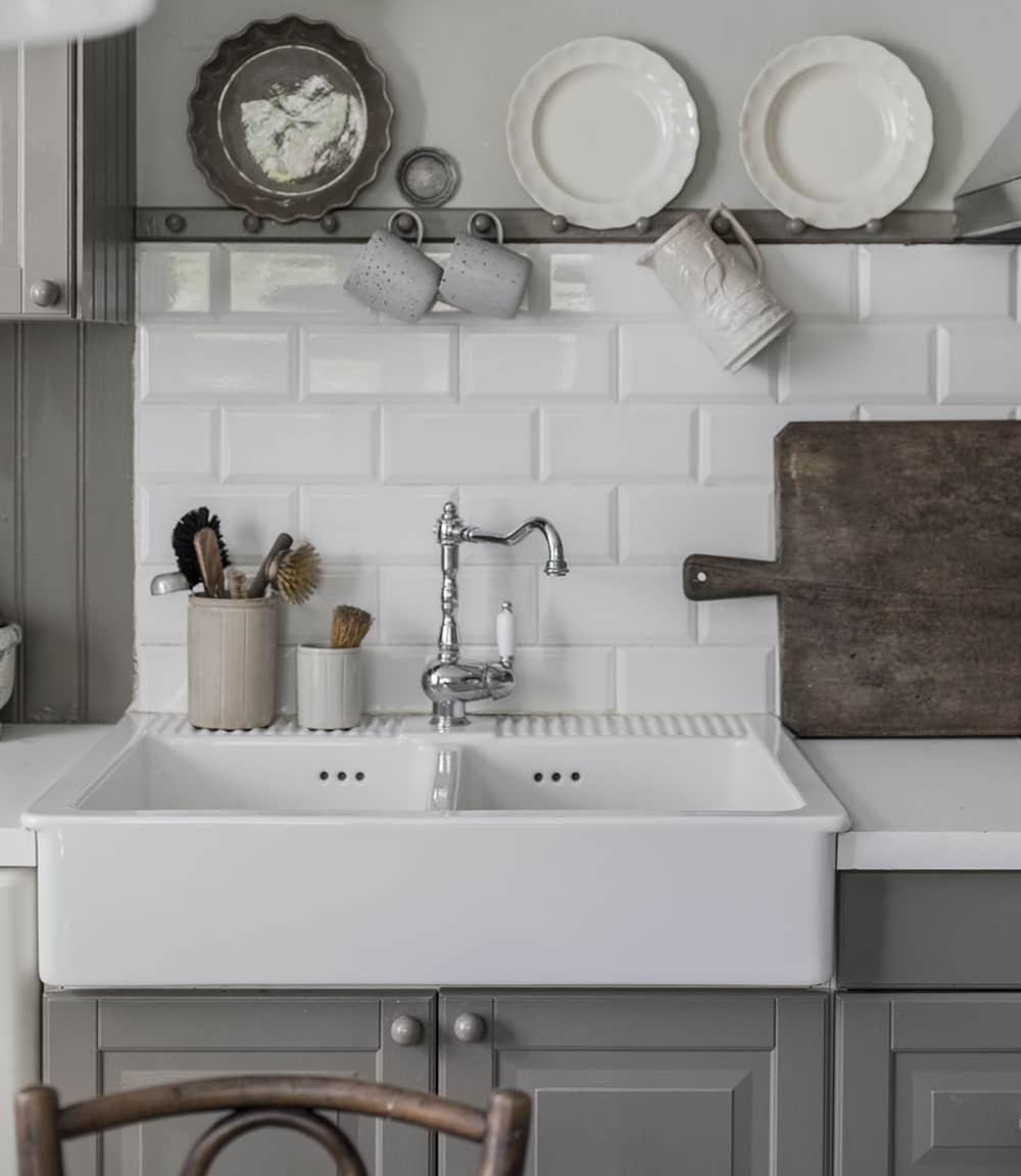 Apron Front Farmhouse Sinks: Our Best, Budget Picks