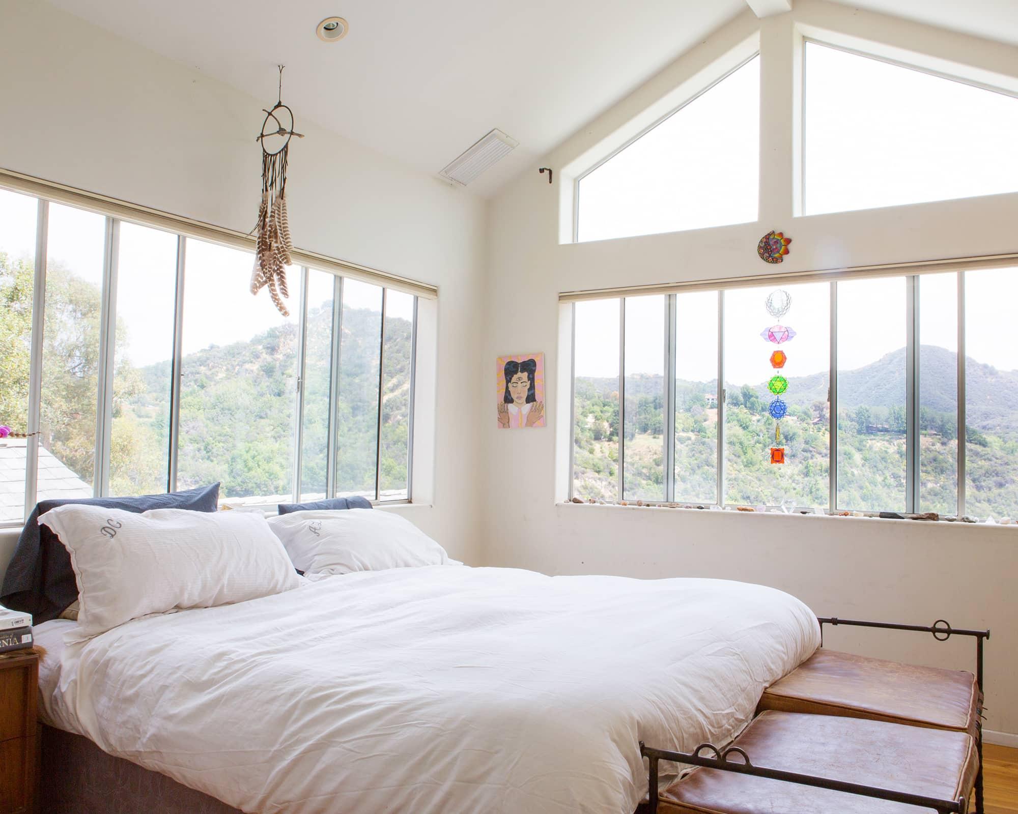 How to Fix 5 Common Bedroom Design Problems | Apartment ...