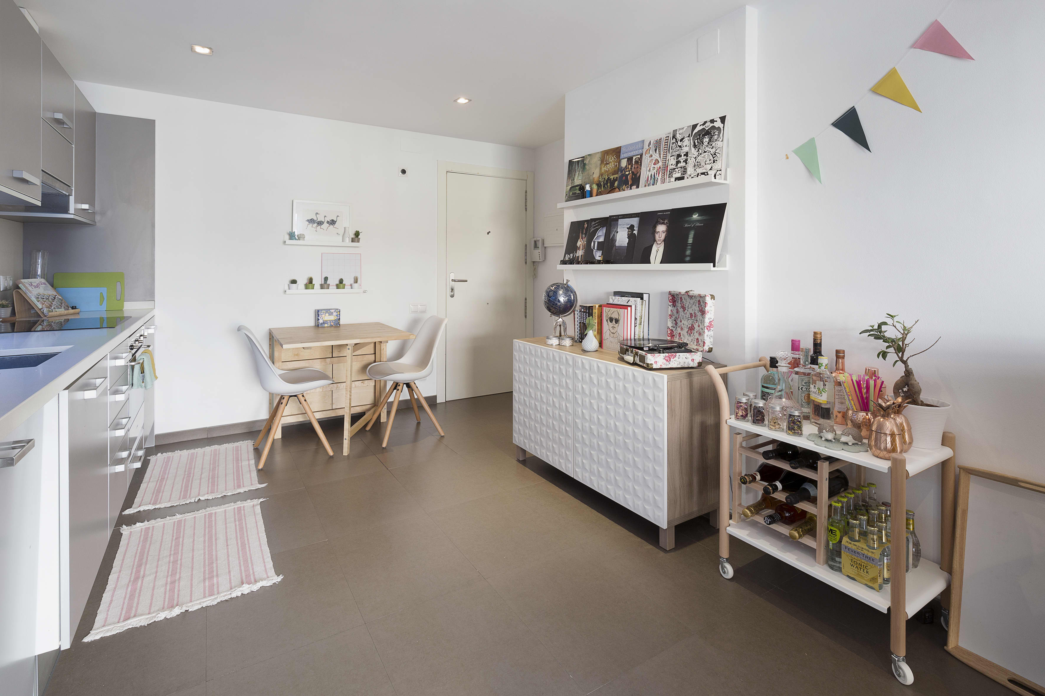 Pastel Interieur Barcelona : A sweet small perfectly pastel barcelona home apartment therapy