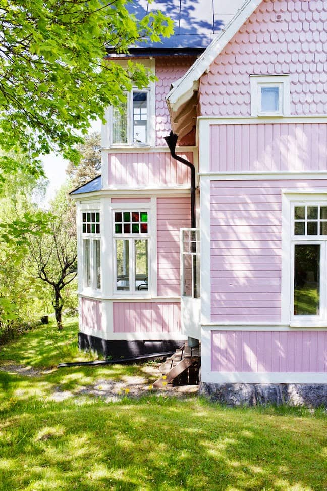 Exterior paint color trends we re head over heels in love - Trending exterior house colors 2017 ...
