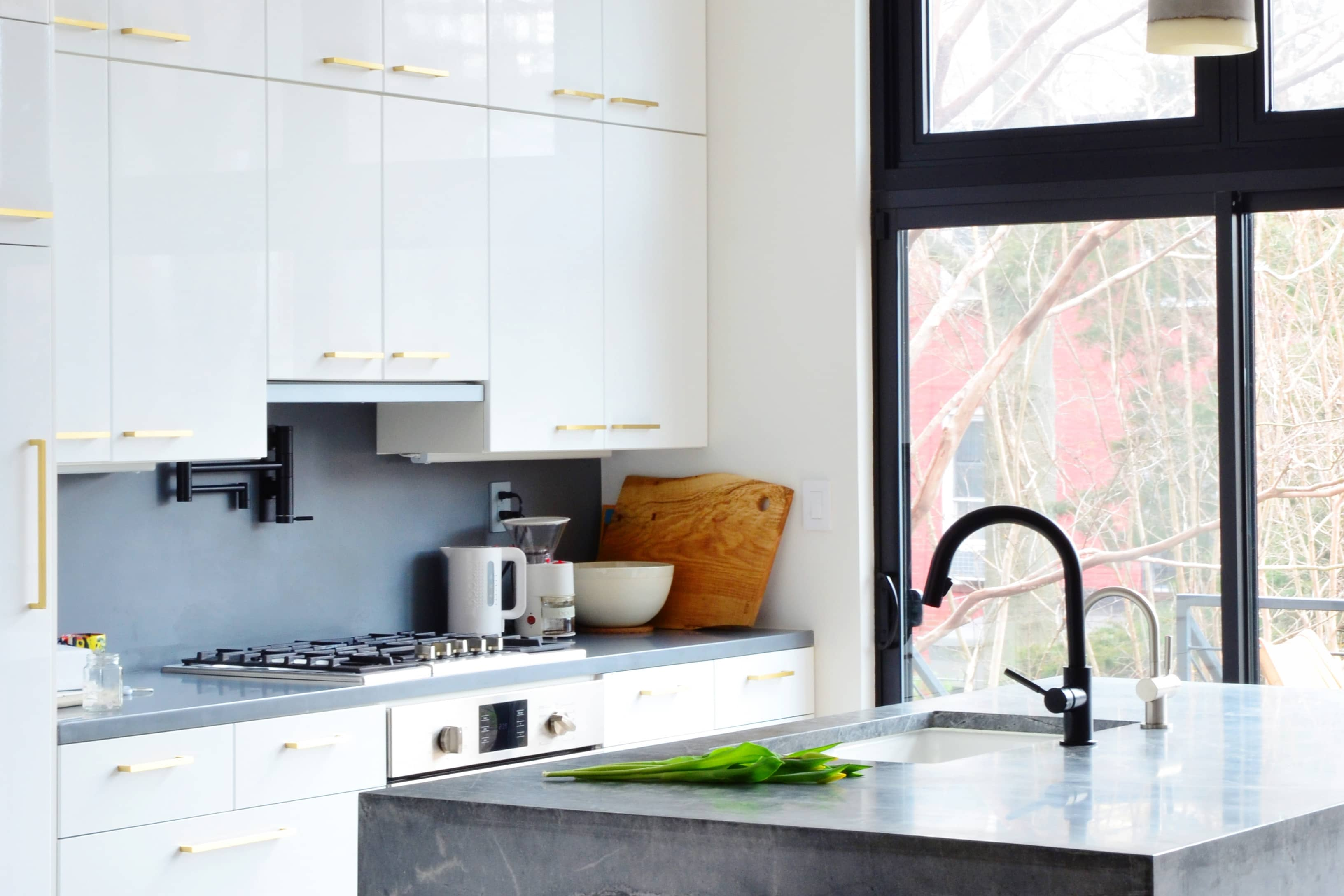IKEA Kitchen Cabinets: Pro Design Tips for Custom Look ...