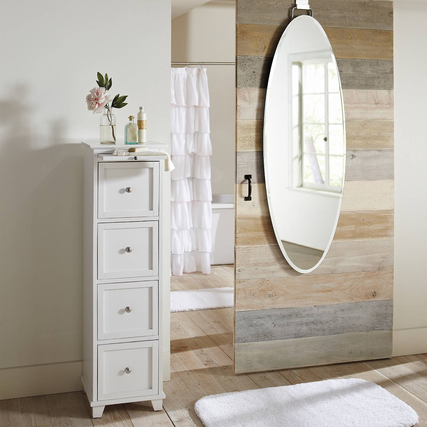 yes they actually exist 9 attractive over the door mirrors apartment therapy. Black Bedroom Furniture Sets. Home Design Ideas