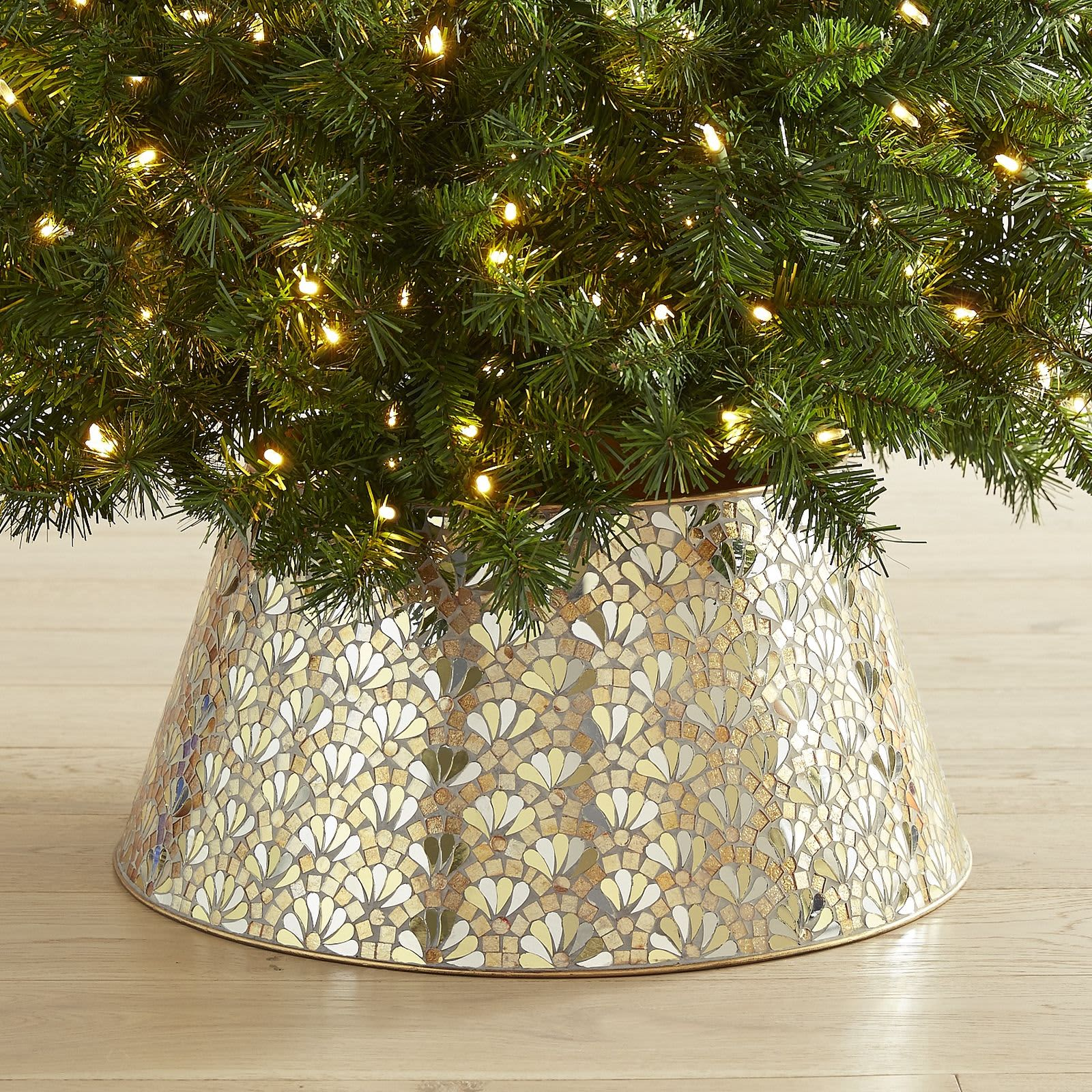 What Are Christmas Tree Collars Where To Get Them Apartment Therapy