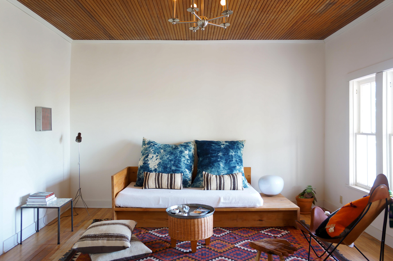 A modern adobe farmhouse home in marfa gallery image 7