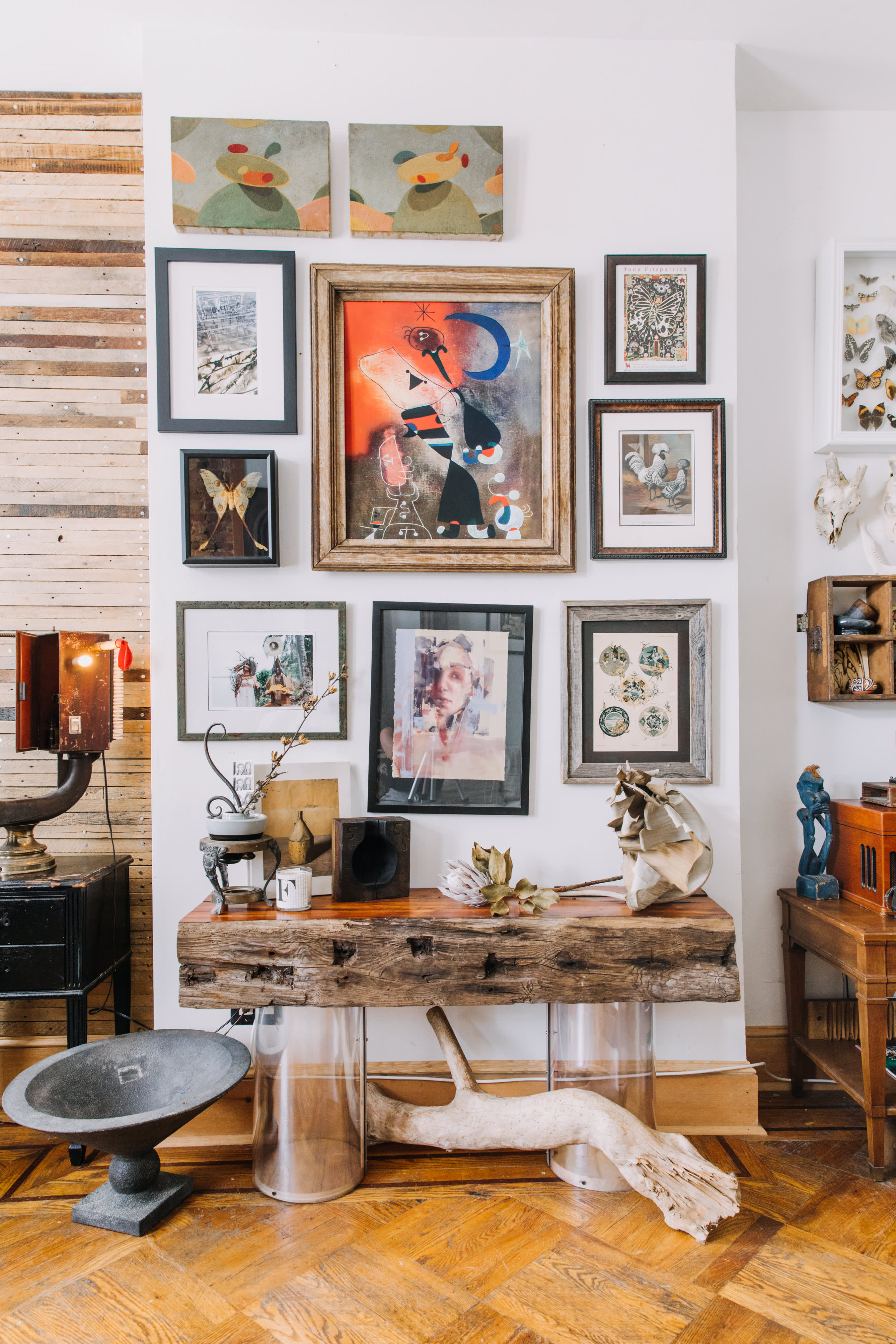 50 Gorgeous Gallery Walls You Ll Want To Try Apartment Therapy