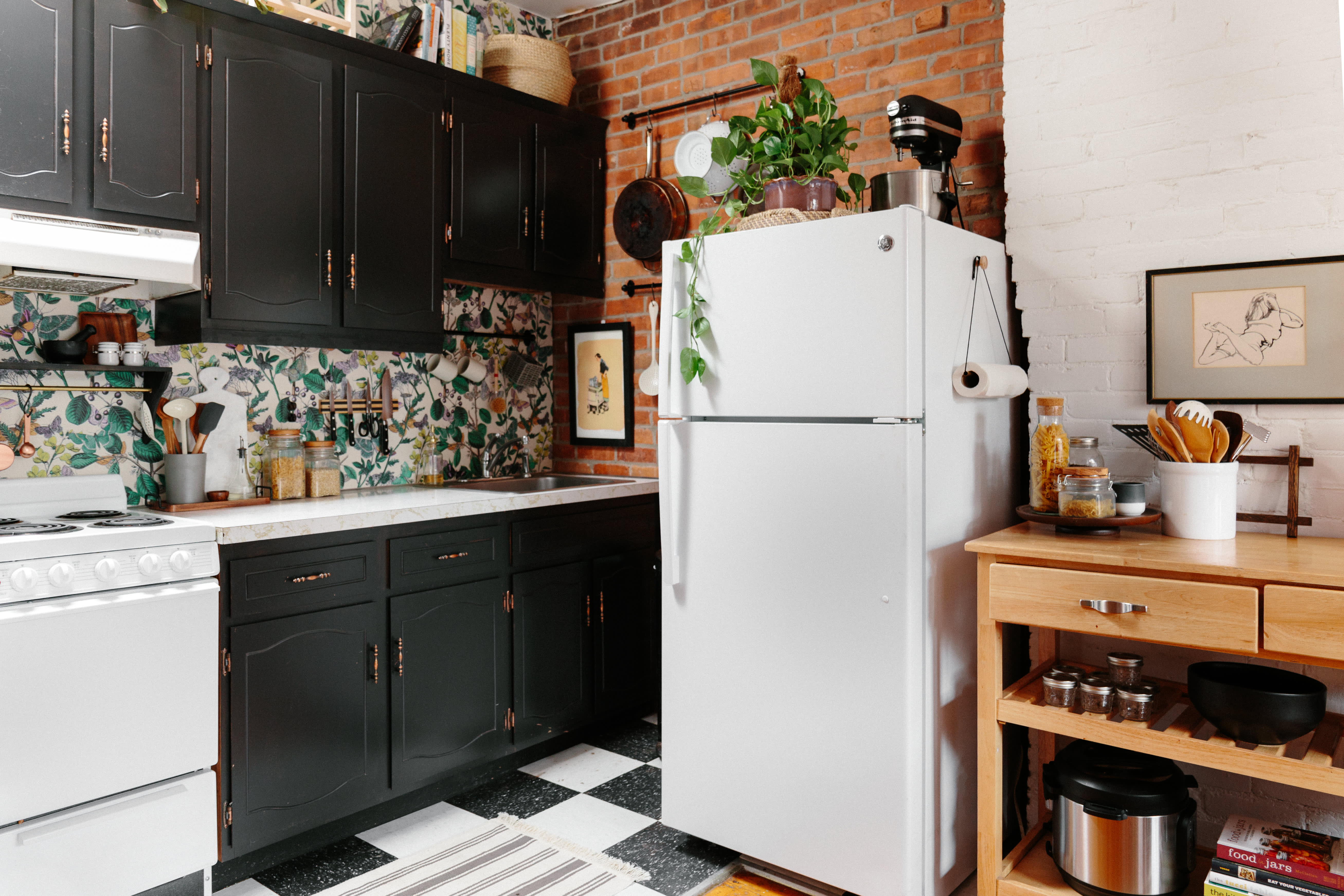 $300 Later, This Rental Kitchen Is No Longer Recognizable (Image credit:  Anna Spaller)