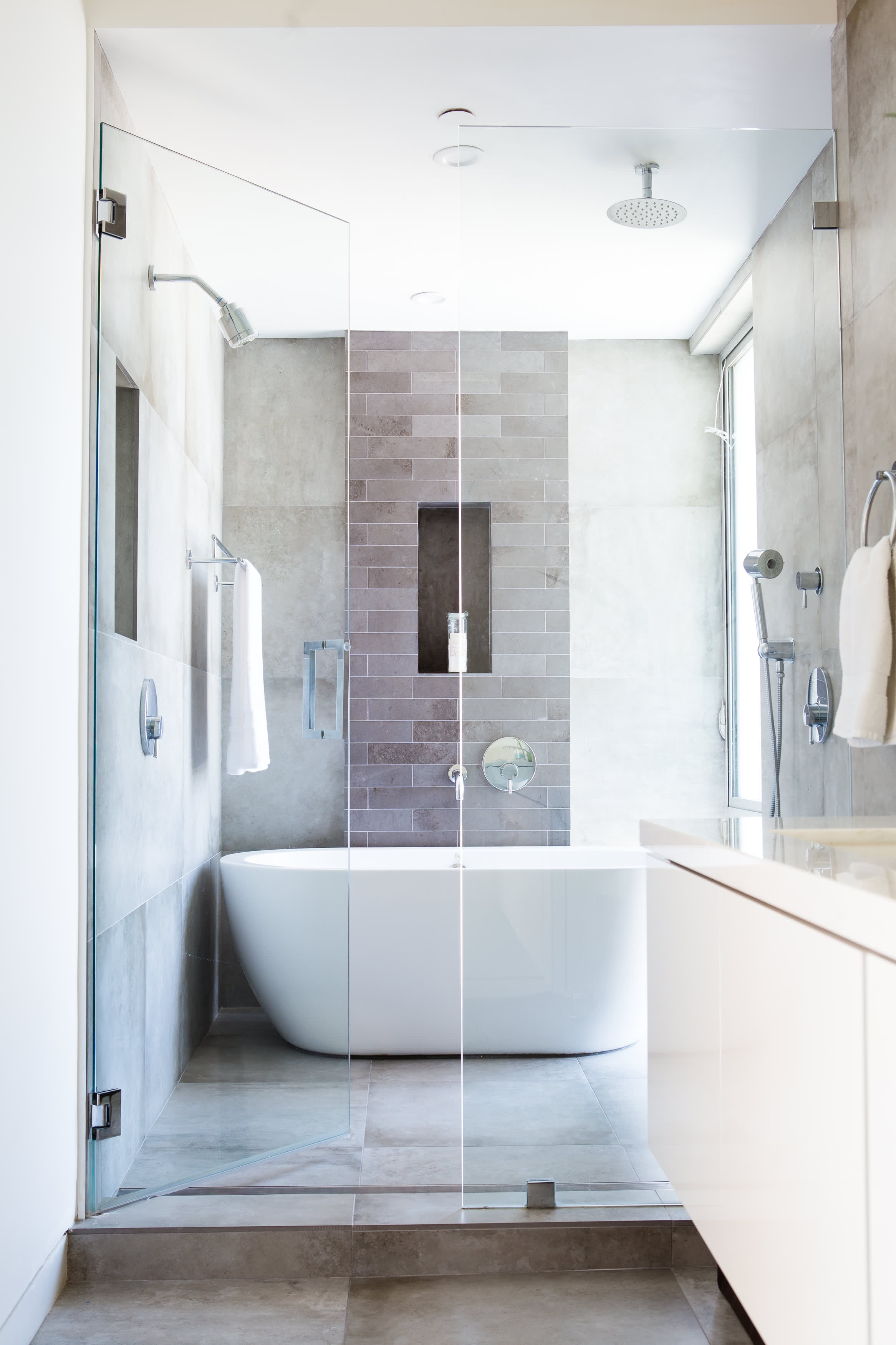 50 Gorgeous Bathroom Tile Ideas To Get Your Design Juices Flowing: Gallery  Image 3