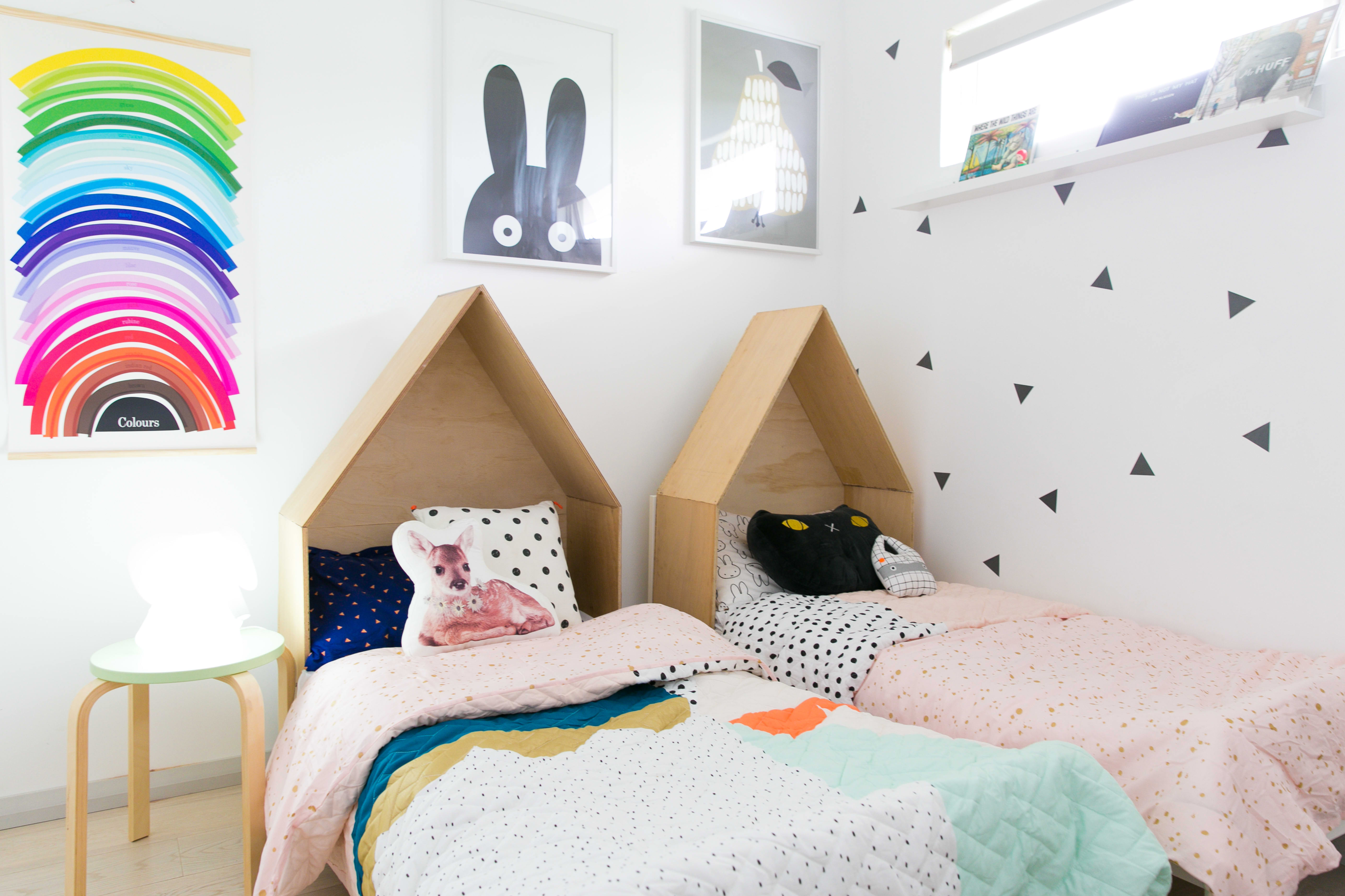20 Creative Ideas For Decorating A Kid S Bedroom Apartment Therapy