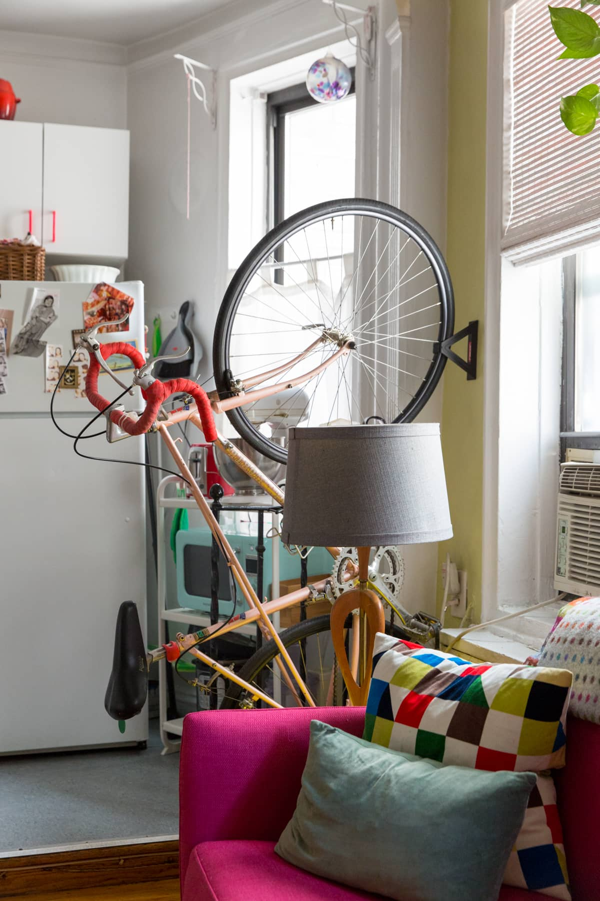 A Tiny 300-Square-Foot Studio Apartment Is a Jewel Box: gallery image 15