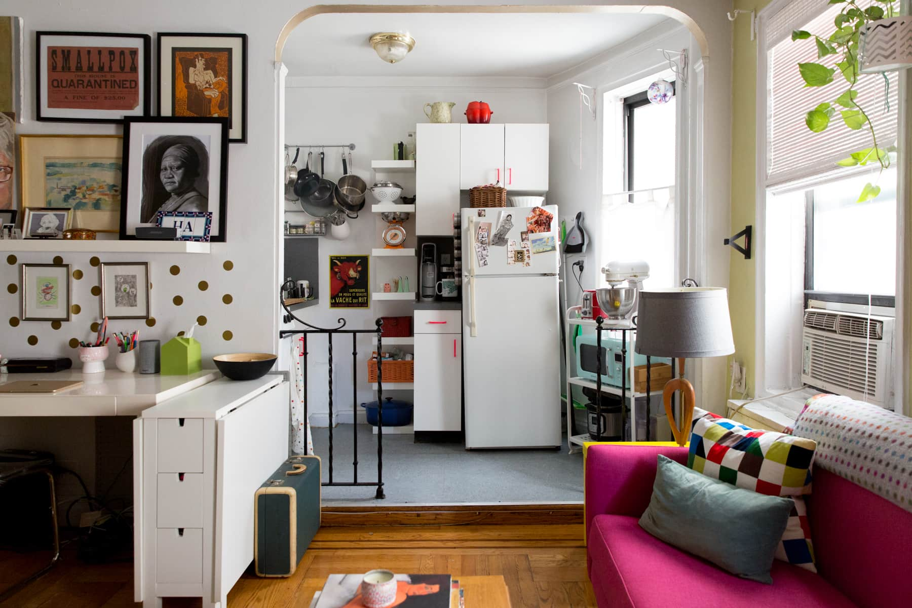 A Tiny 300-Square-Foot Studio Apartment Is a Jewel Box: gallery image 13