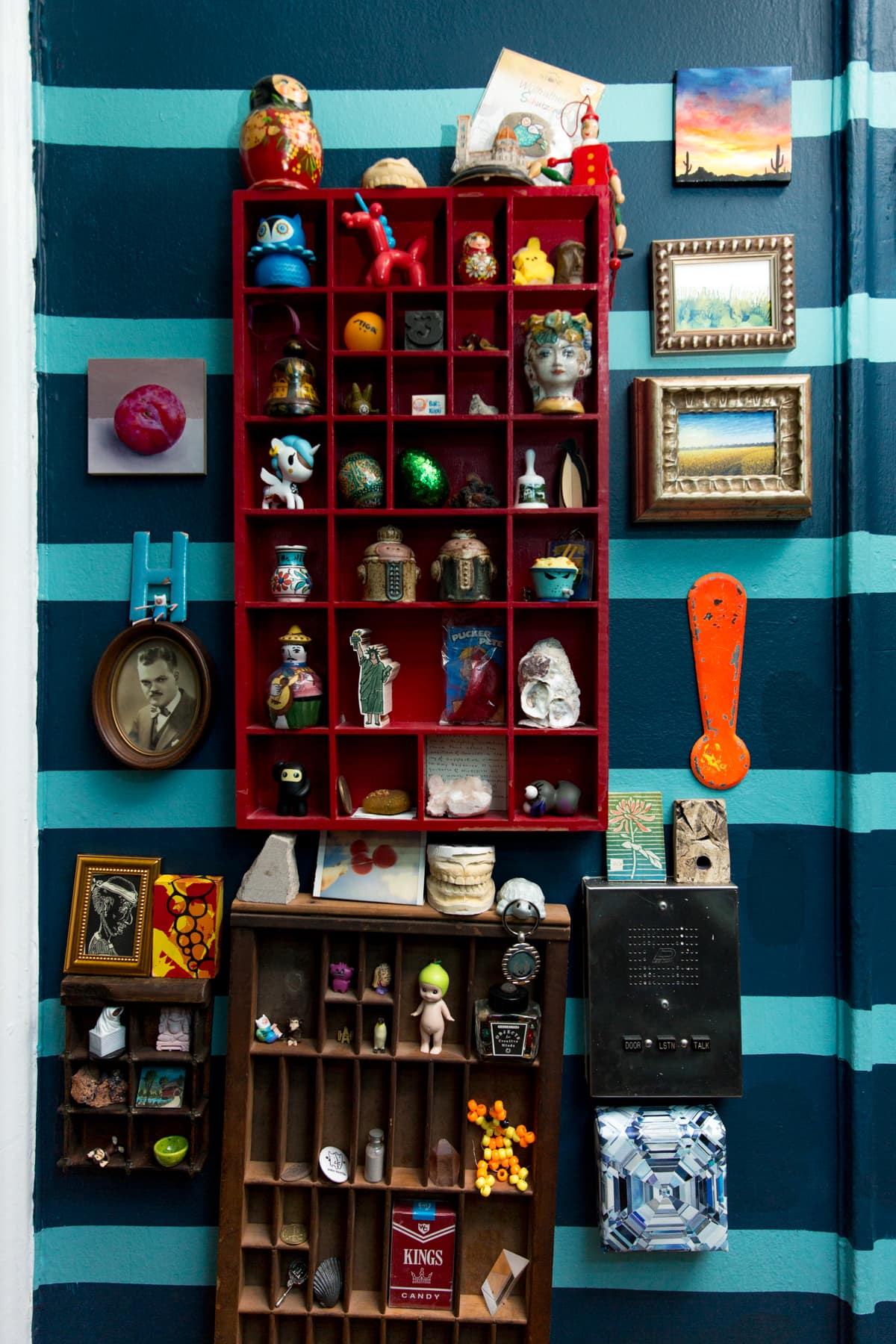 A Tiny 300-Square-Foot Studio Apartment Is a Jewel Box: gallery image 30