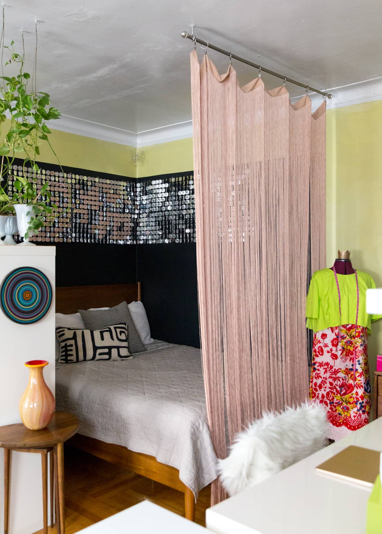 A Tiny 300-Square-Foot Studio Apartment Is a Jewel Box: gallery image 10