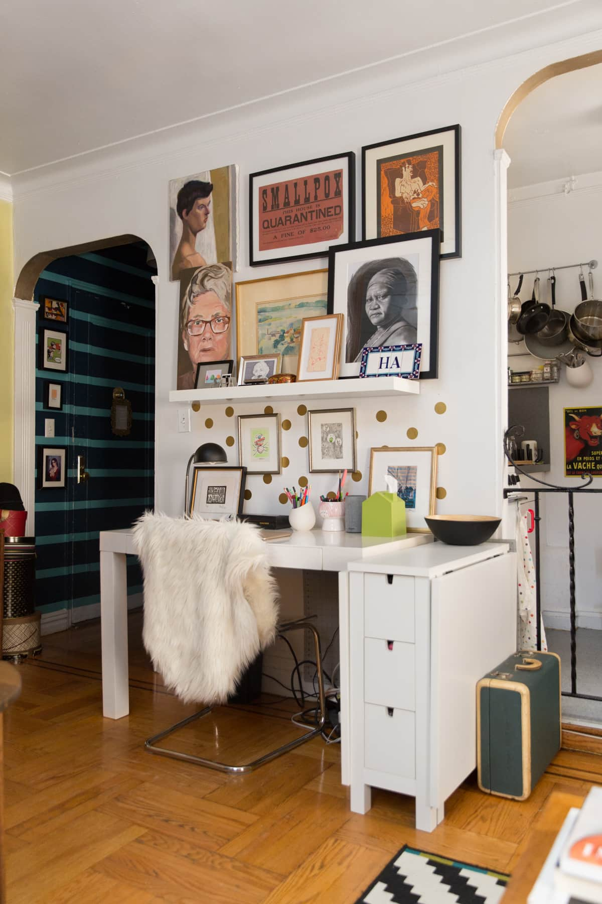 A Tiny 300-Square-Foot Studio Apartment Is a Jewel Box: gallery image 19