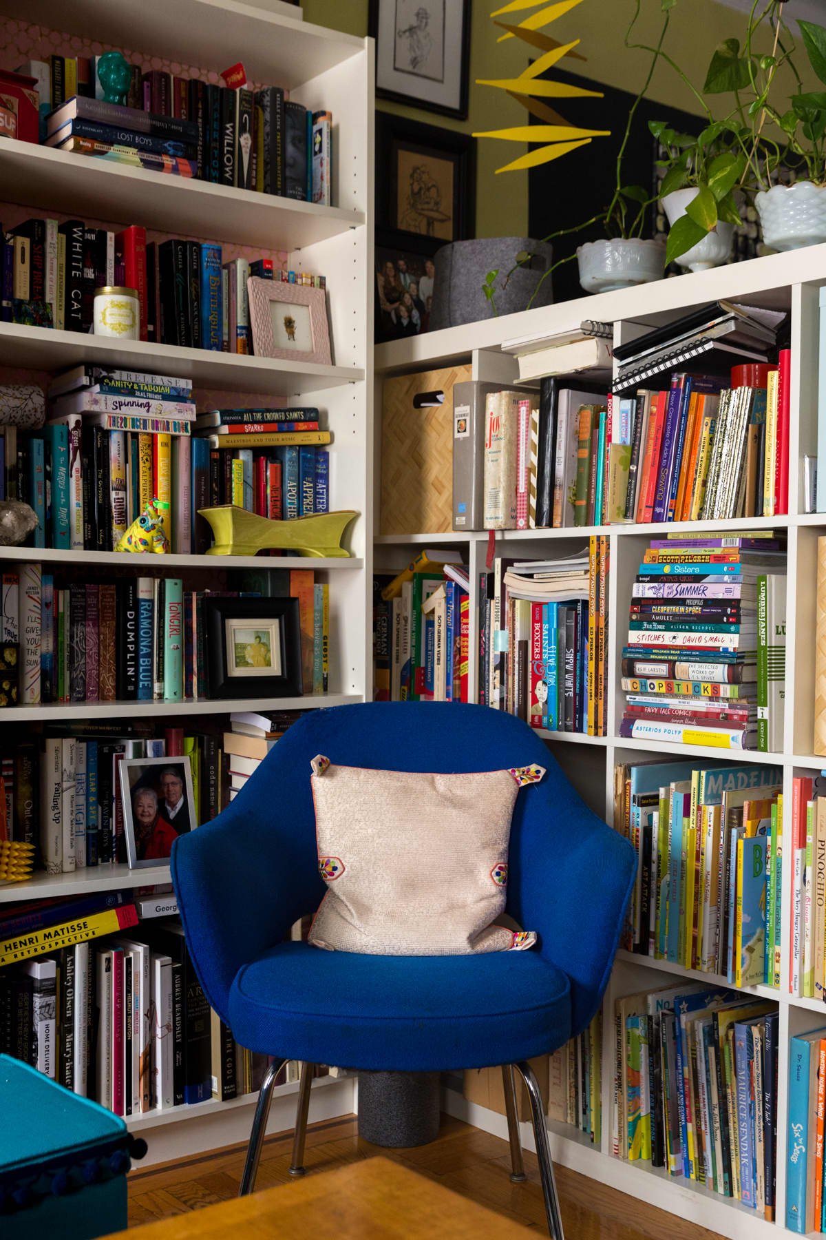 A Tiny 300-Square-Foot Studio Apartment Is a Jewel Box: gallery image 8
