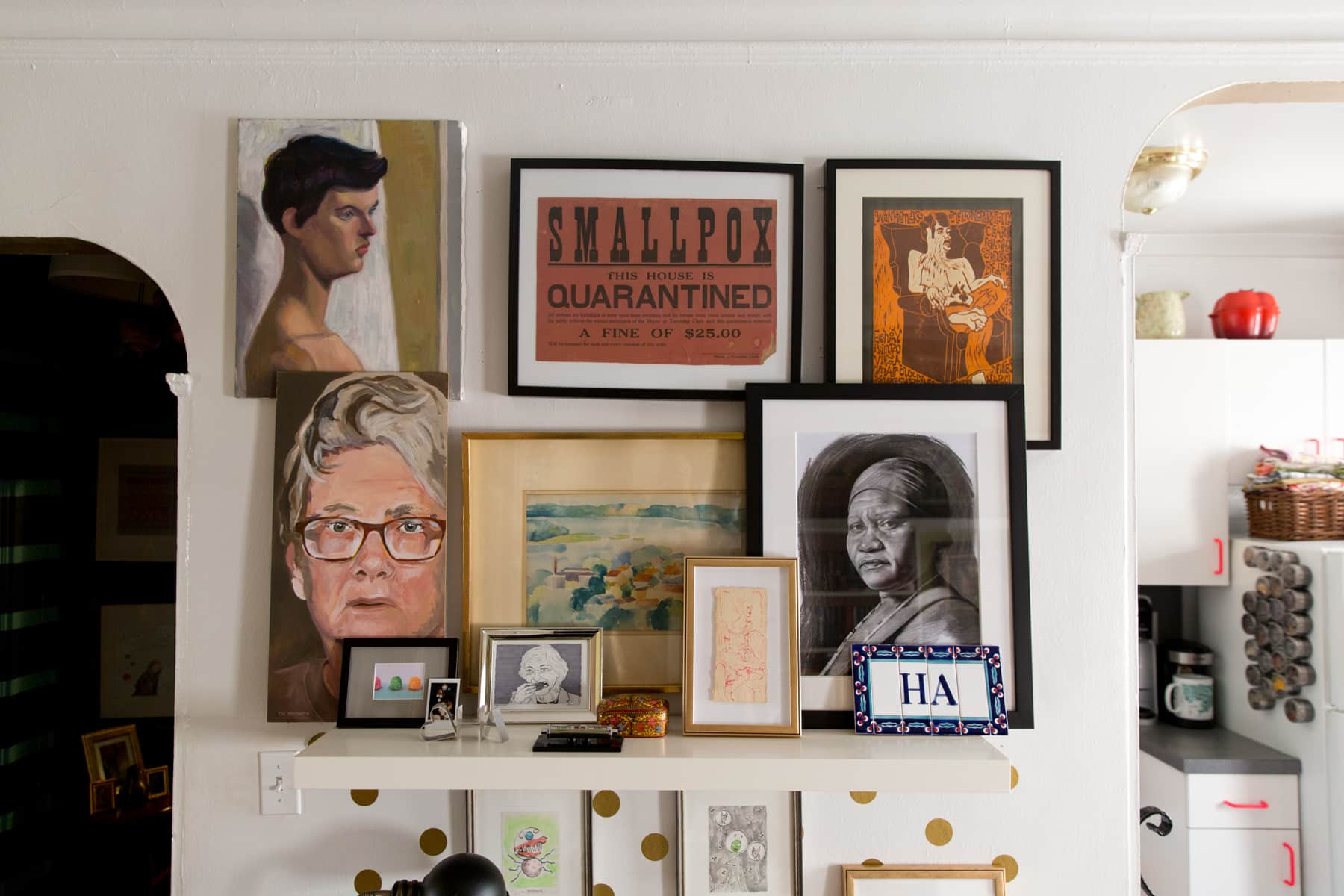 A Tiny 300-Square-Foot Studio Apartment Is a Jewel Box: gallery image 20
