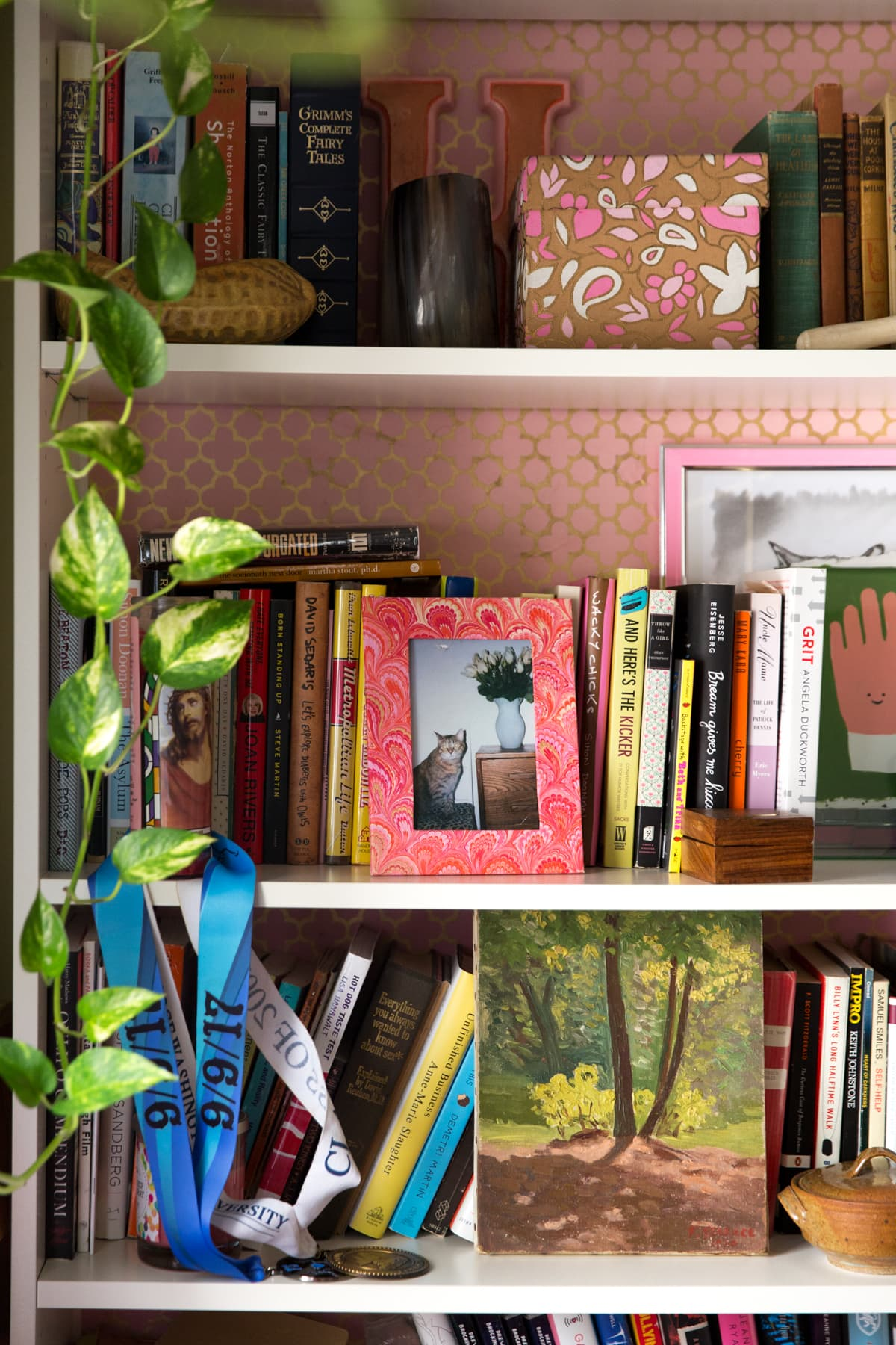 A Tiny 300-Square-Foot Studio Apartment Is a Jewel Box: gallery image 6