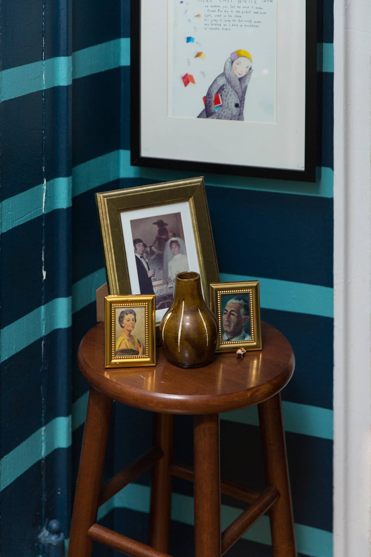 A Tiny 300-Square-Foot Studio Apartment Is a Jewel Box: gallery image 27